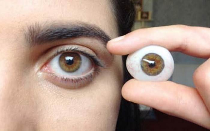 تعویض چشم مصنوعی