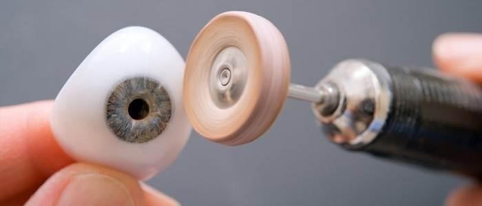 پروتزهای چشم مصنوعی
